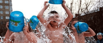 закаливание обливание холодной водлй