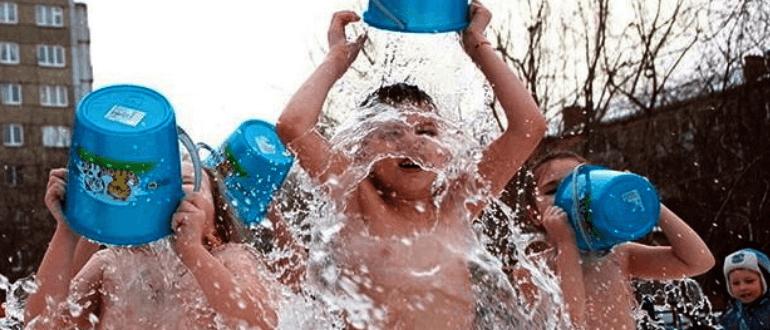 Закаливание обливанием холодной водой